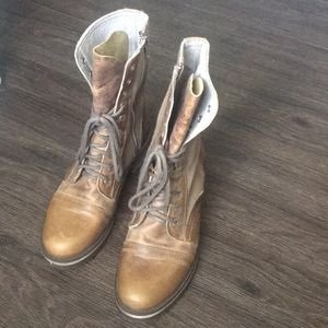 Steve Madden Tan Leather and Canvas Combat boot